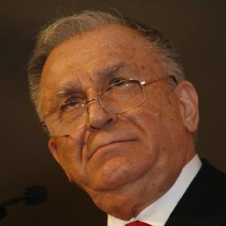 Iliescu se retrage din funcţiile din PSD