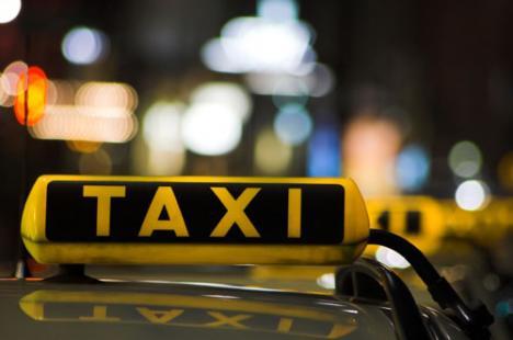 Taximetrist al firmei City, prins după ce a accidentat o femeie şi a fugit de la locul faptei