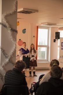 Impactul unui zâmbet: Elevii Colegiului Economic din Oradea au strâns bani pentru o fetiţă bolnavă (FOTO)