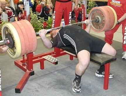 Bihorenii sunt invitaţi la Trofeul Gym Mar Strong la power lifting