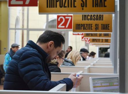 Plătiţi online! Orădenii care îşi plătesc impozitele prin internet vor beneficia de o bonificaţie de 8% mai mare decât plătitorii la ghişeu