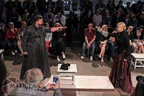 Aplauze furtunoase pentru actorii Teatrului Regina Maria, la Festivalul Internațional Shakespeare de la Craiova