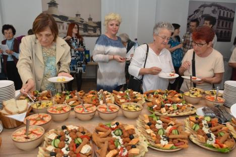 Pentru bătrâneţi senine şi respectate: După 10 ani de lucrări, Caritas Eparhial a inaugurat Casa Frenţiu (FOTO)