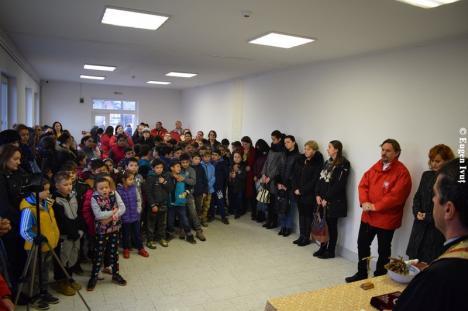 Caritas Eparhial a inaugurat un centru de zi modern pentru copiii din medii defavorizate, în Ioaniş (FOTO)