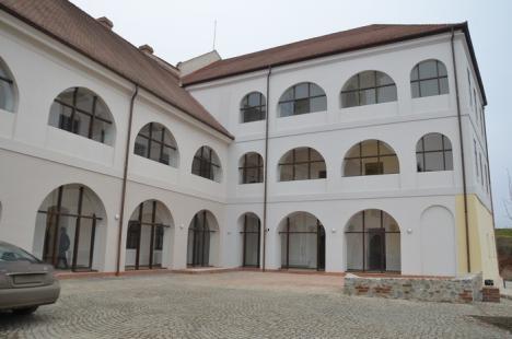 Renaşterea legendei. Cetatea Oradea s-a redeschis vizitatorilor după investiţii de 66 milioane lei. Vezi cum arată! (FOTO)