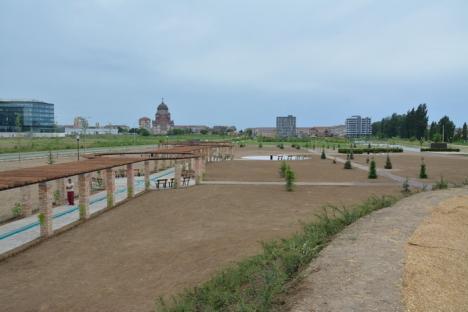 Salca, partea a doua: Orădenii se pot relaxa în noul parc de pe malul Peţei (FOTO/VIDEO)