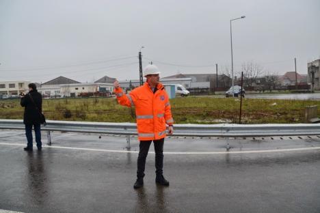 S-a deschis: pasarela rutieră a CNADNR peste liniile CFR din zona Metro a fost dată în folosinţă (FOTO/VIDEO)