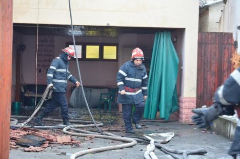Incendiu de proporții la Centrul de plasament pentru copii cu dizabilități din Oradea (FOTO/VIDEO)