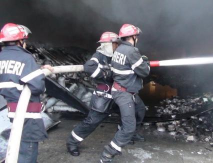 Incendiu la o fabrică de încălţăminte din Oradea