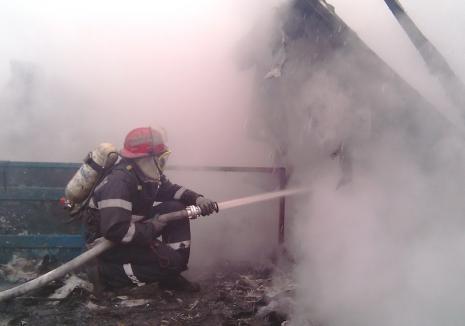 Tânără de 30 de ani din Bihor, rănită într-un incendiu!