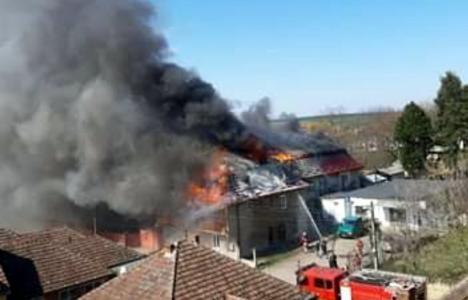 Incendiu devastator într-un bloc cu locuinţe sociale din Marghita (FOTO / VIDEO)