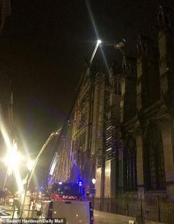 Primele imagini din interiorul Catedralei Notre Dame: Ce a ars şi ce a fost salvat din incendiul violent (FOTO)