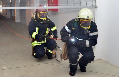 A expirat termenul pentru obţinerea autorizaţiei de securitate la incendiu. În Bihor, 111 clădiri au obţinut documentul