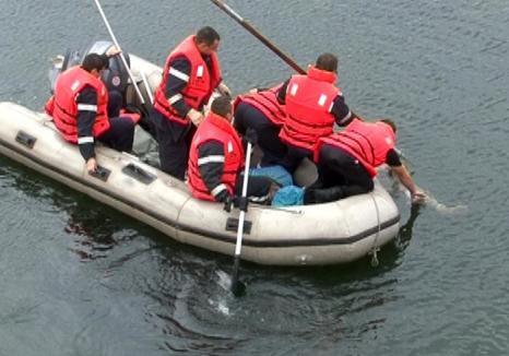 Weekend negru în Bihor: Tată şi fiică au murit înecaţi lângă Păgaia, un alt bărbat s-a înecat la ştrand în Salonta!
