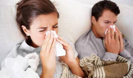 Atenţie, toamna primăvăratică păcăleşte: Direcţia de Sănătate Publică avertizează că numărul infecţiilor respiratorii acute creşte!