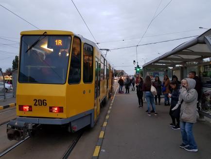 Vino iute, măi tramvai! OTL își nemulțumește clienţii cu prețurile mari, frecvențele reduse și vehiculele aglomerate (FOTO)