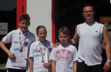 Două medalii pentru înotătorii orădeni la Campionatului Național pentru copii de la Arad