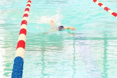 O nouă ediție a Memorialului Herman Schier la înot la Bazinul Olimpic din Oradea