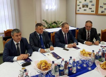La Santăul Mare se deschide un punct de frontieră pentru camioanele ce duc piatră la construcția autostrăzii din Ungaria
