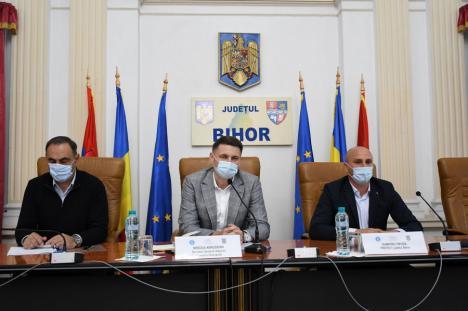 """Abia aprobat și deja """"prelucrat"""": controversatul Plan Național de Investiții Anghel Saligny, prezentat primarilor din Bihor de către secretarul general al Guvernului (FOTO)"""