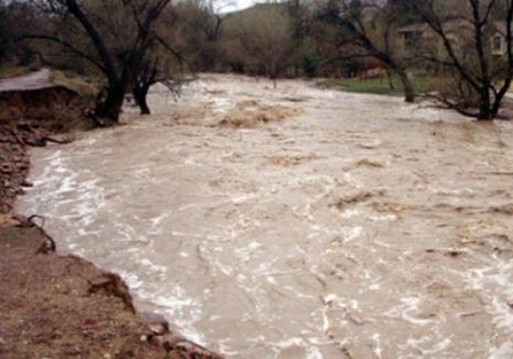 Cod portocaliu de inundaţii în Bihor