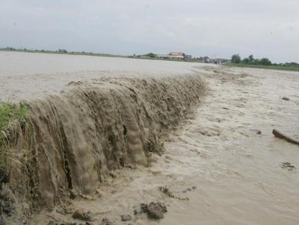 Cod galben de inundaţii în Bihor