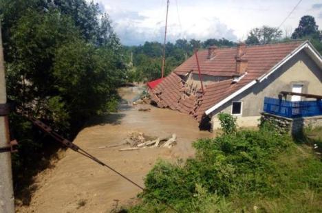 Cauzele inundaţiilor din sud-vestul ţării: debite istorice care apar o dată la 200 de ani