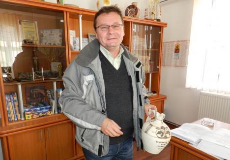 Viceprimarul comunei Vadu Crişului, Ioan Haşaş, declarat în incompatibilitate de Agenţia Naţională de Integritate