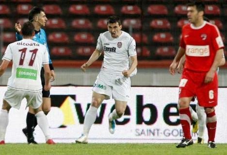 Orădeanul Ioan Hora a dat golul victoriei CFR împotriva dinamoviştilor