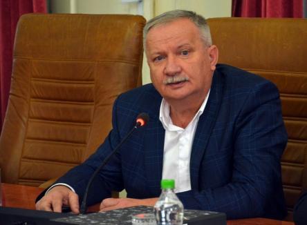 'Meciul' continuă: Vicepreşedintele Ioan Mang spune că liberalii încearcă să şantajeze conducerea Consiliului Judeţean