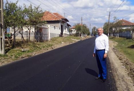 Mang trage linie după asfaltările din 2019: Din cei 142 km de covor asfaltic nou, probleme au apărut pe mai puţin de jumătate de kilometru