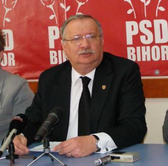 """Mang admite ca """"posibilă"""" susţinerea PSD pentru doi candidaţi PNL atât la conducerea Oradiei, cât şi a judeţului"""