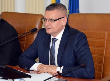 Prefectul Mihaiu: Spre ruşinea noastră, doar 15% din gospodăriile din Bihor sunt asigurate