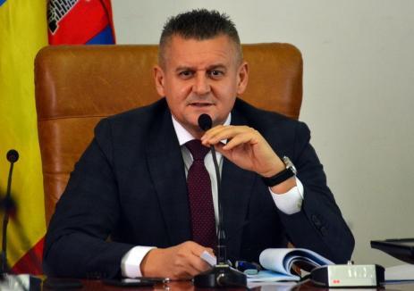 Mihaiu îl pune la punct pe Birta: Primăria Oradea ne-ar obliga să schimbăm dalele crăpate, să ne construim parcări subterane, să asfaltăm străzile