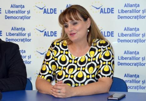 Scoasă de la naftalină: Ex-PDL-ista Ionela Pop Bruchental s-a refugiat la ALDE Bihor, unde a şi devenit şefă