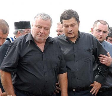 Robert Ionescu, soţul procuroarei care s-a sinucis acum doi ani, a fugit de acasă, de groaza socrilor