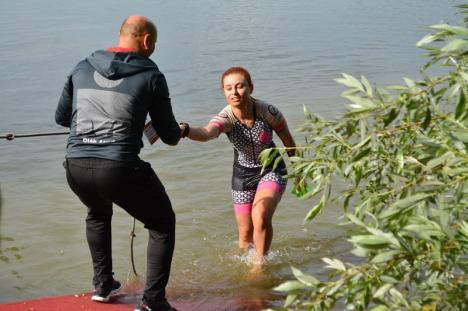 AROBS X-Man România 2019: Sute de sportivi se-ntrec în Bihor la cel mai important eveniment al triatlonului românesc (FOTO / LIVE VIDEO)