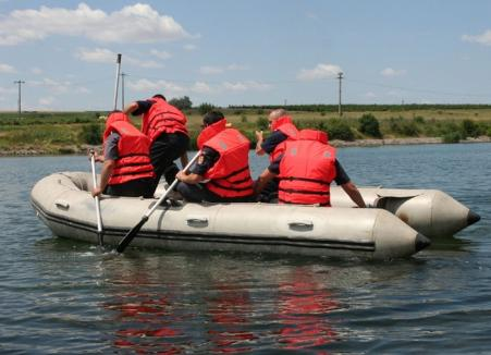 Un tânăr de 21 de ani s-a înecat în lacul din Gepiu