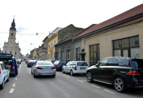 Amenzi la poartă: Poliţiştii locali din Oradea îi umplu de amenzi pe noii vecini de pe strada Iuliu Maniu