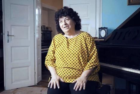 Mentor pentru excelenţă în educaţie: O profesoară de pian din Oradea, premiată pentru rolul marcant în viaţa elevilor ei (VIDEO)