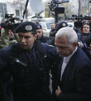 Jandarmul bătăuş de la proteste a fost identificat. Este cel care l-a protejat pe Dragnea când a fost chemat la DNA (VIDEO)