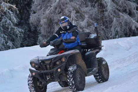 Jandarmii au găsit un portofel cu lei şi valută, pierdut în februarie la Vârtop