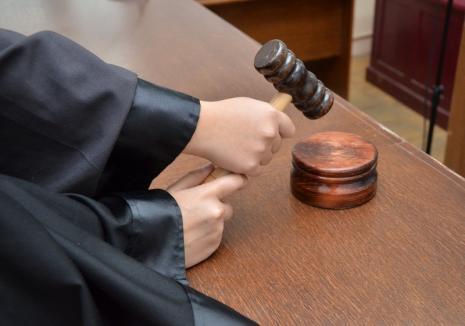 Eroare legislativă în ordonanţa de modificare a 'legilor justiţiei'