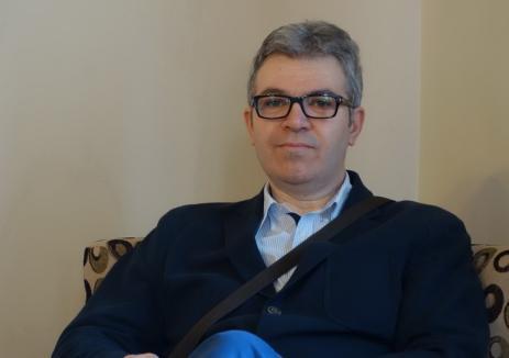 Traducător cu mitralieră: Judecătorul Ovidiu Galea, fost ofiţer de Securitate, era cu Kalaşnikovul în mână la Revoluţie