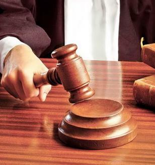Poliţist din Valea lui Mihai, trimis în judecată de DNA pentru şantaj