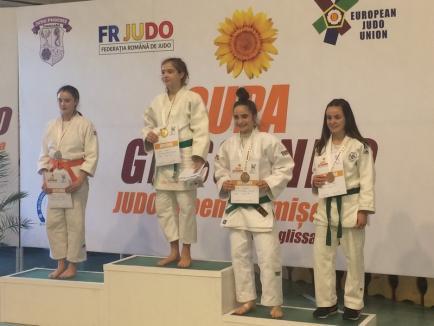 """Patru medalii pentru tinerele judoka de la Crișul Oradea la turneul internațional """"Cupa Glissando"""" de la Timișoara!"""