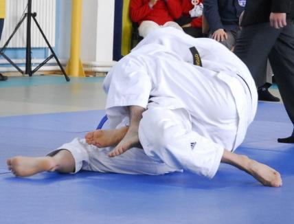 Joi se reiau competiţiile naţionale de judo
