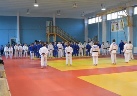 Noi stagii de judo la sala LPS Bihorul