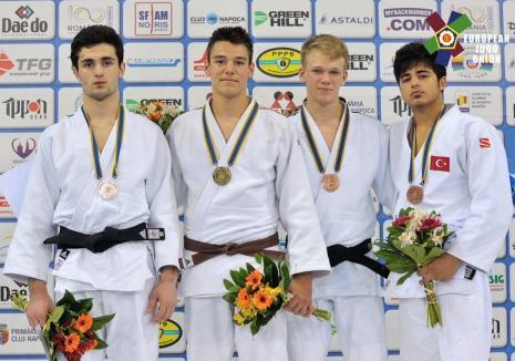 Orădeanul Alex George Creţ a cucerit aurul la Cupa Europeană de judo pentru cadeţi, de la Cluj