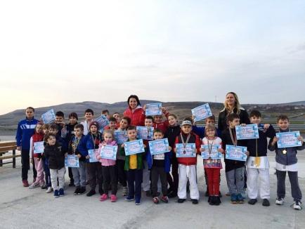 20 de clasări pe podium pentru tinerii judoka orădeni la Cupa Miado's de la Sibiu